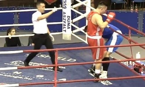 Қазақстандық боксшы венгриялық қарсыласын нокдаунға жіберді