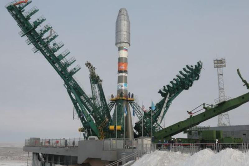 Ракета со спутниками OneWeb установлена на стартовом комплексе Байконура