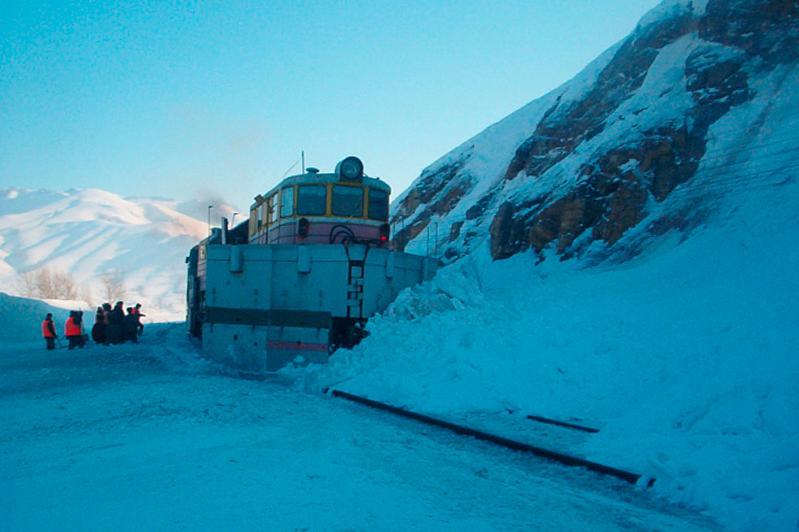 Железнодорожники готовятся к спуску лавин в ВКО