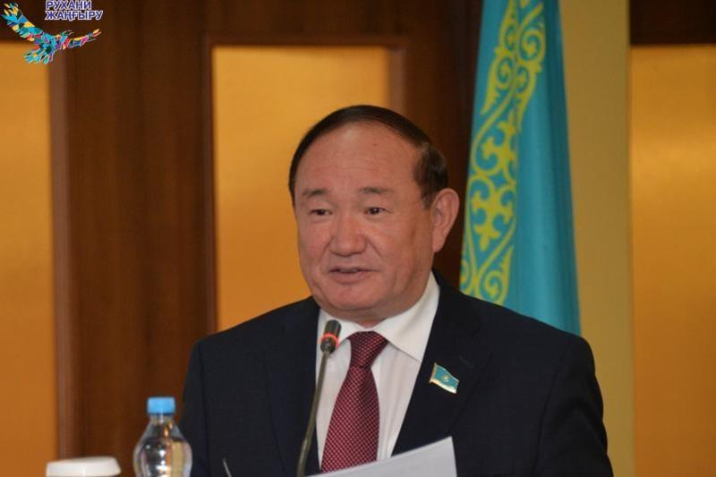 В реализацию «Рухани жаңғыру» мы должны включиться всем обществом – Али Бектаев