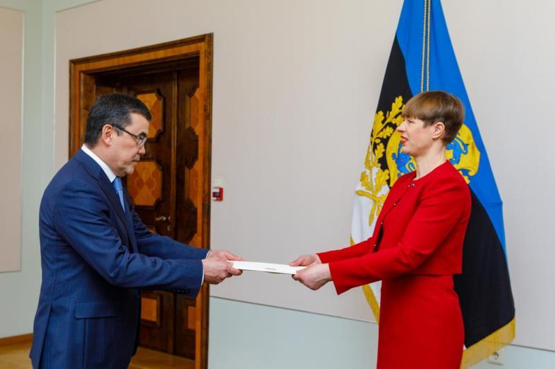 Посол Казахстана вручил верительные грамоты Президенту Эстонии