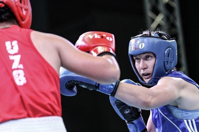 拳击:哈萨克斯坦两名女子拳击手晋级匈牙利锦标赛半决赛