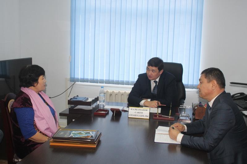 Заместители акима Туркестанской области проводят в районах и селах приемы граждан