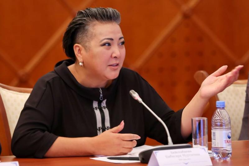 Когда благотворительность приносит доход: казахстанские пенсионеры раскрывают творческий потенциал