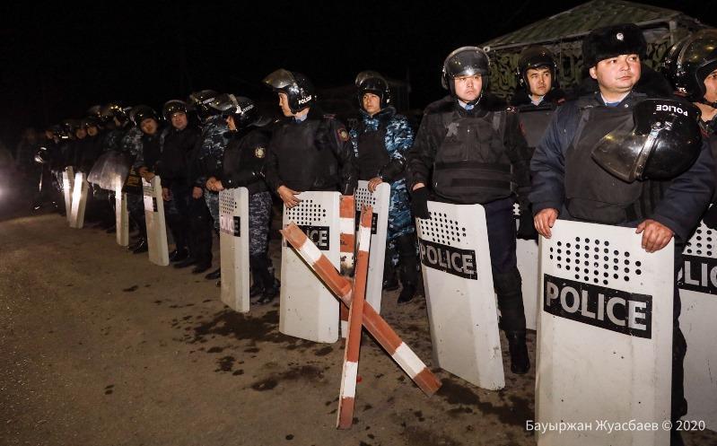 МВД РК о конфликте в Кордайском районе: Полицейские оружие не применяли
