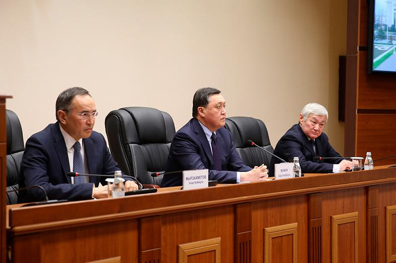 Аскар Мамин представил нового акима Жамбылской области Бердибека Сапарбаева