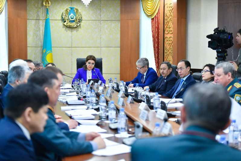Дарига Назарбаева:Оперативно и полноценно обеспечить нашу армию могут только отечественные предприятия