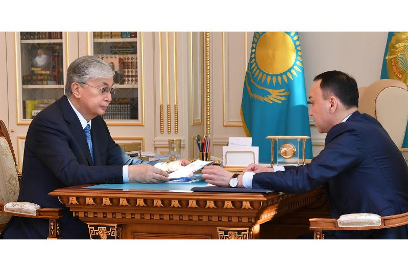 Arkhimed Mukhambetov reports to President on Kostanay region's socio-economic development