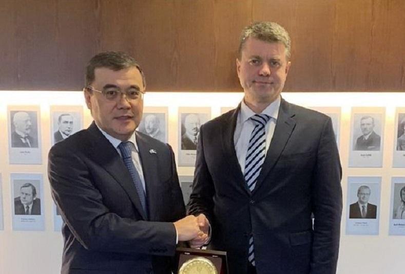 Посол Казахстана встретился с министром иностранных дел Эстонии