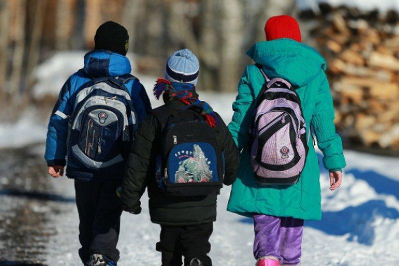 Отменяются занятия для учащихся школ города Нур-Султана и ВКО