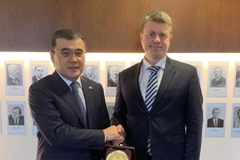哈萨克斯坦大使会见爱沙尼亚外长