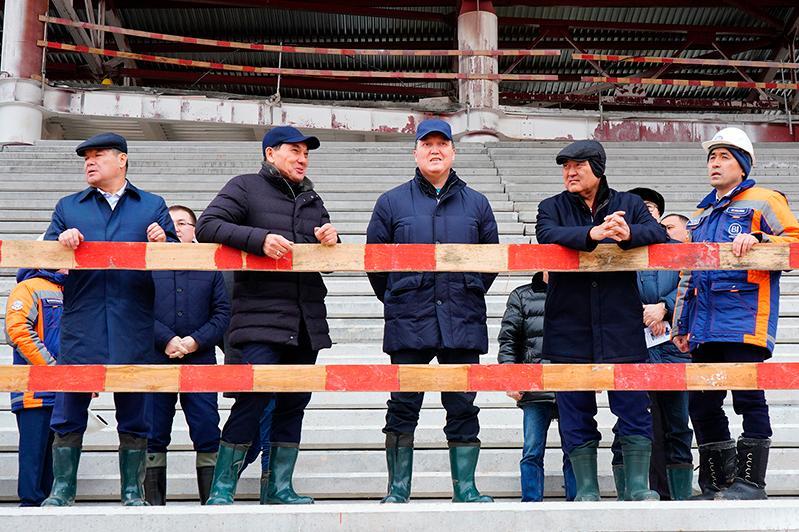 Аскар Мамин проинспектировал ход строительства инфраструктуры Туркестана