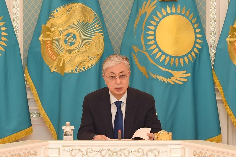 托卡耶夫总统主持召开信息安全会议