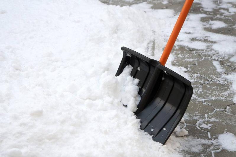 За несвоевременную уборку снега оштрафовали 60 обслуживающих организаций в столице
