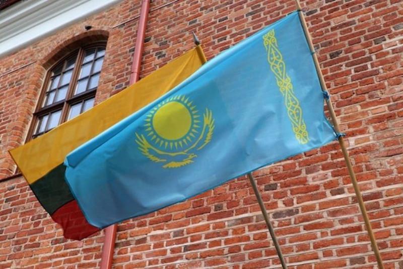 哈萨克斯坦驻立陶宛大使访问考纳斯