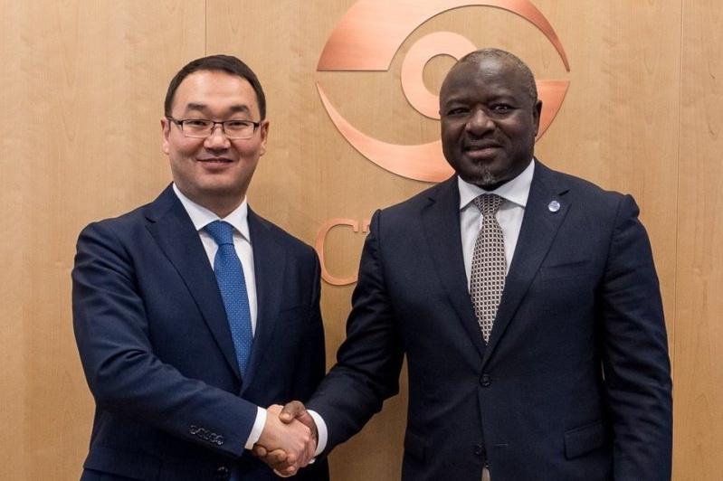 外交部副部长访问维也纳并同多个联合国组织负责人举行会晤
