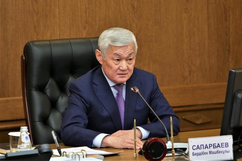 Не снижать заданных темпов в экономике региона поручил Бердибек Сапарбаев