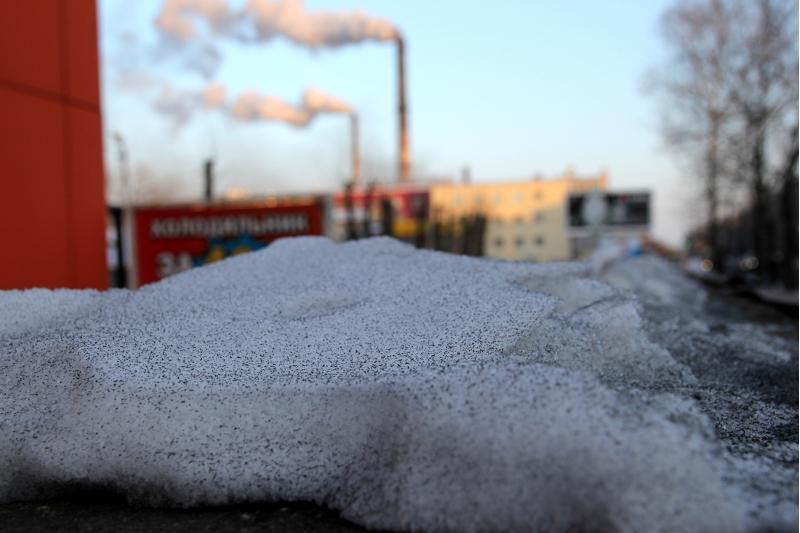 Черный снег в Темиртау: Минэкологии начало внеплановую проверку