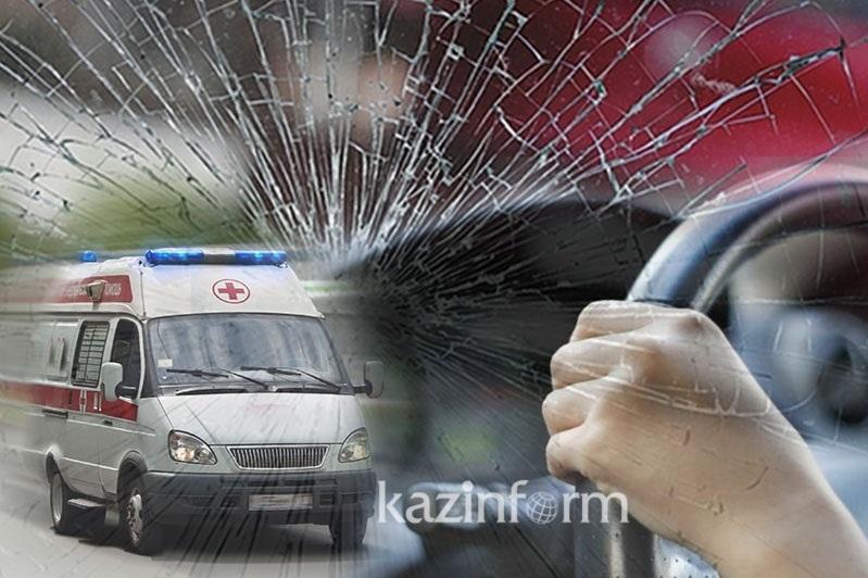 Автомобиль столкнулся с автобусом в Кызылорде: пострадало шесть человек