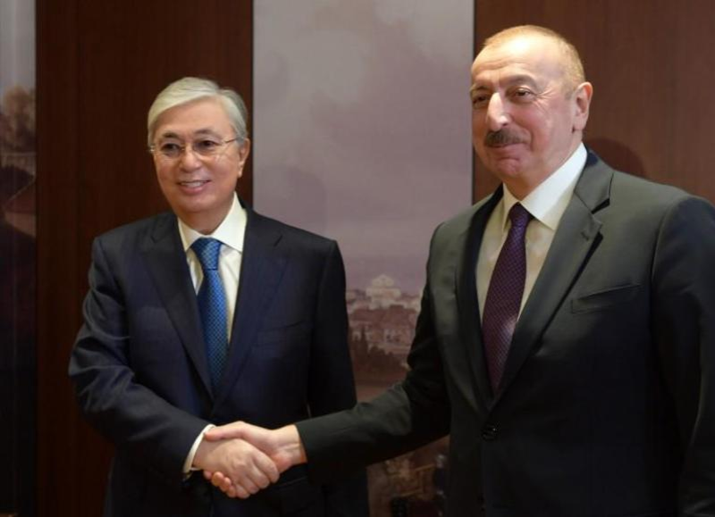 托卡耶夫总统在德国慕尼黑会见阿塞拜疆总统阿利耶夫