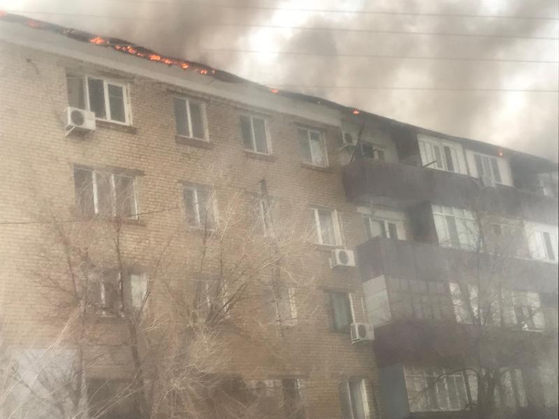 В Атырау ликвидировали пожар в пятиэтажке