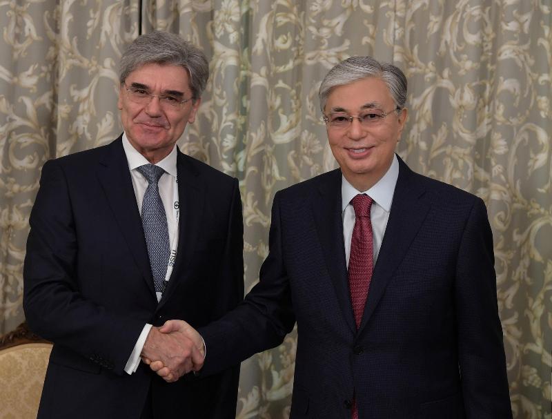 Глава государства встретился с исполнительным директором компании Siemens AG