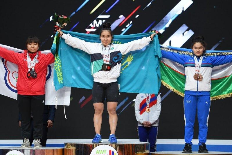 Qazaqstandyq 3 aýyr atlet Azııa chempıonatynyń júldegeri atandy