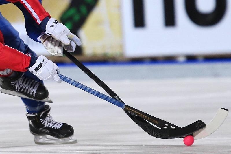 Допты хоккей: «Ақжайық» көш басындағы команданы ірі есеппен ұтты