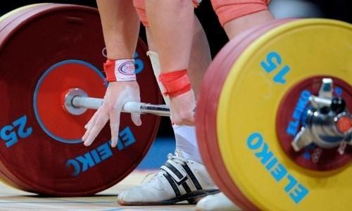 Казахстанский тяжелоатлет завоевал «золото» на юниорском ЧА в Ташкенте