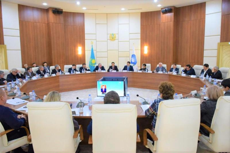 Жансеит Туймебаев встретился с руководителями этнокультурных объединений АНК Нур-Султана