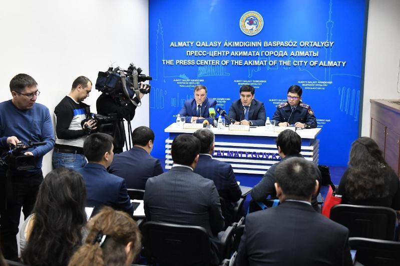 Как власти Алматы боролись с последствиями снегопада