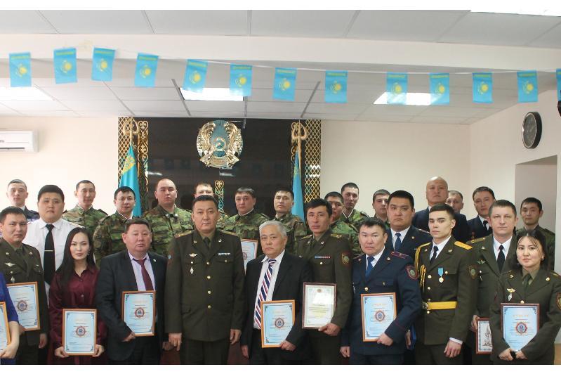 За спасение людей из снежных заносов награждены сотрудники ДЧС Павлодарской области
