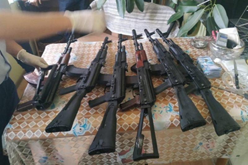 За незаконные изготовление и сбыт оружия осуждены участники преступной группы в Шымкенте