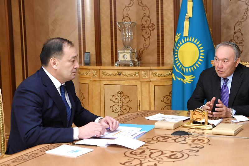 Елбасы – вице-премьеру: Важно встречаться с народом, разговаривать и разъяснять принимаемые меры