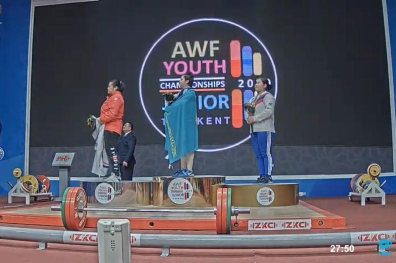 哈萨克斯坦2名女子获得亚洲举重锦标赛冠军