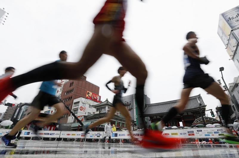 Организаторы Токийского марафона сократили число участников из-за коронавируса