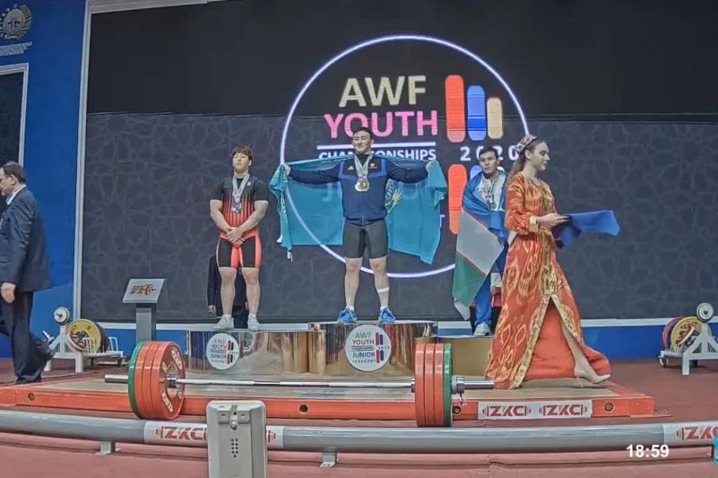 Нургиса Адилетулы завоевал «золото» на Чемпионате Азии среди юниоров в Ташкенте