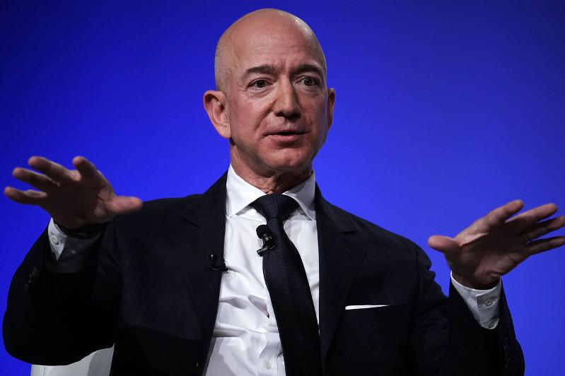 Amazon CEO commits 10-bln-USD to combat climate change