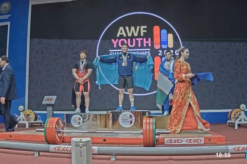 哈萨克斯坦选手获得亚洲举重锦标赛冠军