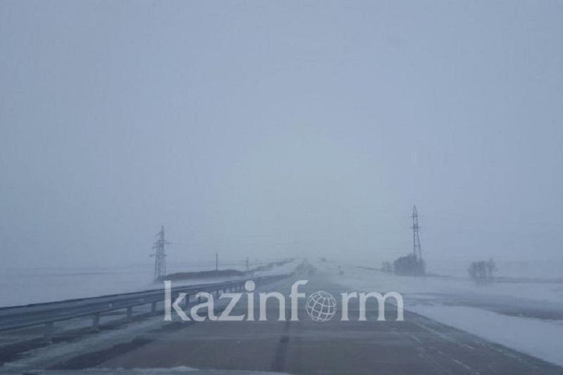 Blizzard shuts down roads in N Kazakhstan