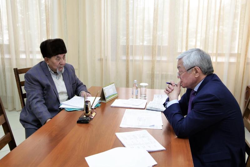 Жилье, земля, проекты - Бердибек Сапарбаев выслушал проблемы жамбылцев