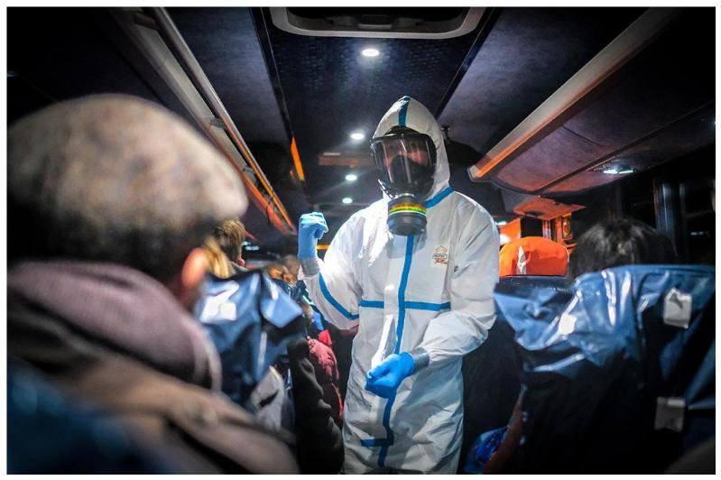 Хитойдаги Қозоғистон дипломатларининг оилалари эвакуация қилинди – ТИВ