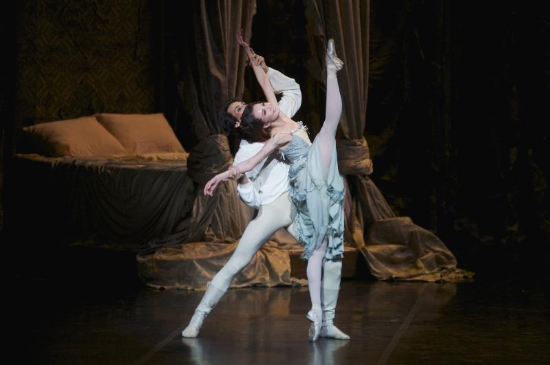 Stars of Hungarian ballet in production of Manon