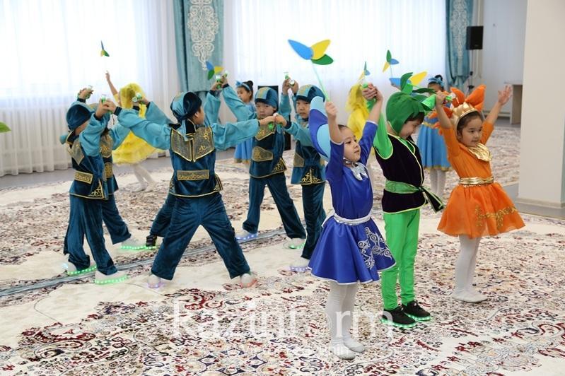 Almatyda kópbalaly otbasynan shyqqan balalar úshin úıirmeler tegin bolady