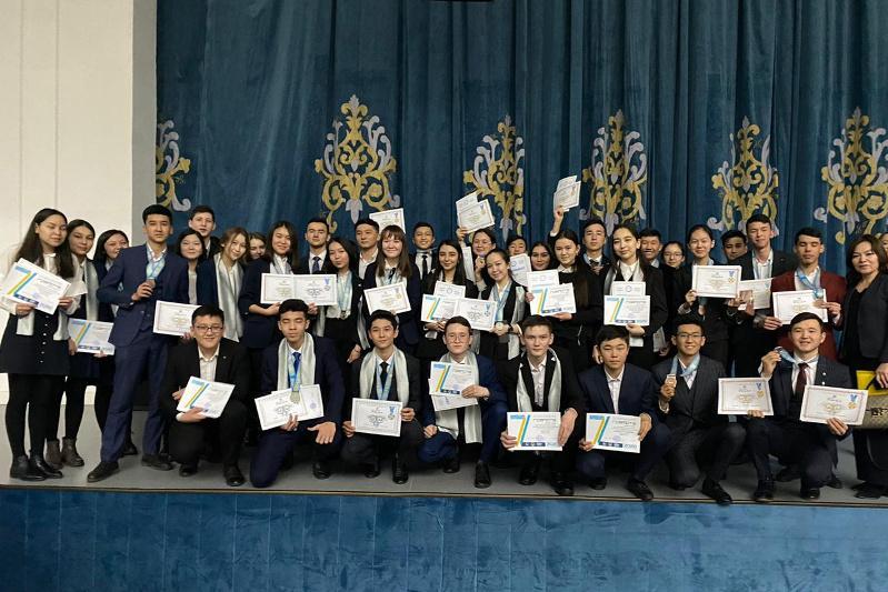 Туркестанские школьники в тройке лучших в стране по результатам научных проектов