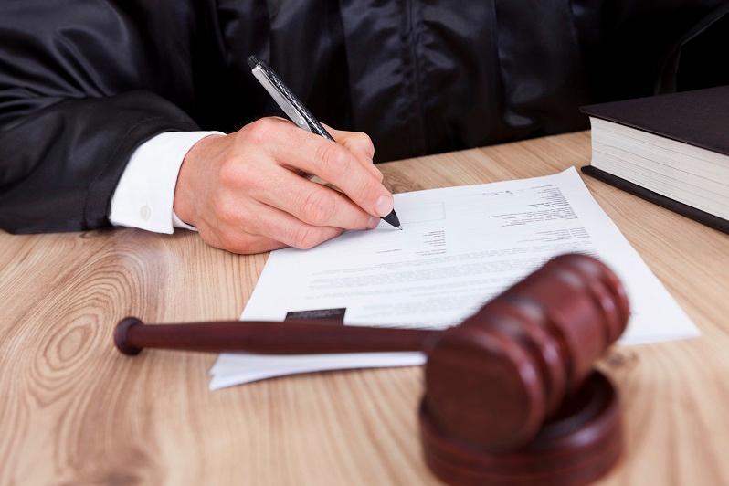 Обвиняемая в крупном квартирном мошенничестве актюбинка попросила не лишать ее свободы