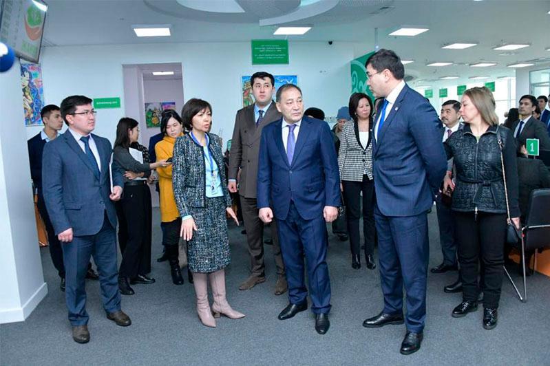 Ход реализации мер по АСП и ОСМС: вице-премьер посетил ряд соцобъектов столицы