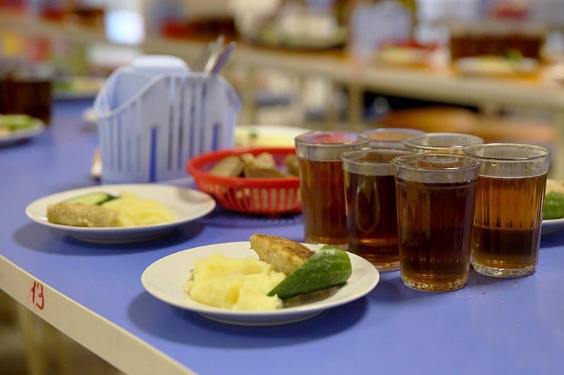 Бесплатно будут кормить младшеклассников в карагандинских школах