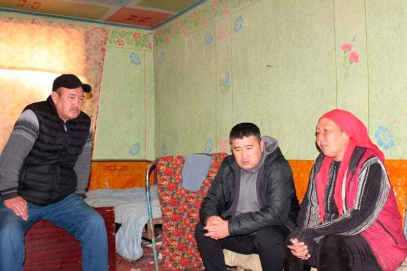 Қамқорлық: Түркістан облысында мұқтаж отбасыларға жан-жақты қолдау көрсетіліп отыр