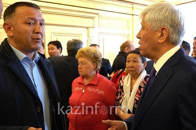 Амандык Баталов решил уволить замакима Талдыкоргана после отчетной встречи с населением